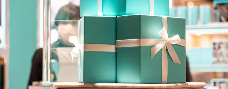 Jewelry sales staging a holiday comeback as shoppers look to add sparkle to challenging year
