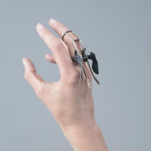 Medeus - oksiduoto sidabro žiedas