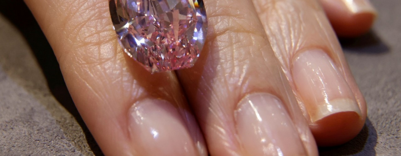 Super rare, purple-pink diamond up for auction, could fetch $38 million